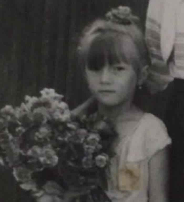 FOTO / Imagini din copilăria unei vedete! O recunoşti?! Este o celebră prezentatoare TV de la noi