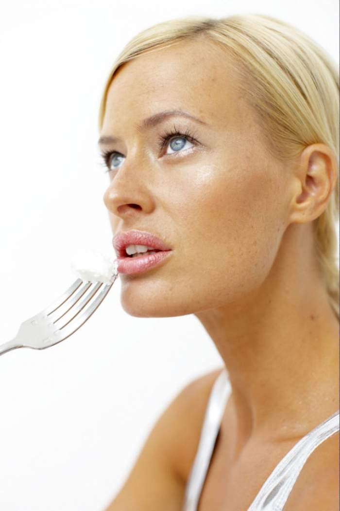 VIDEO / Furculiţa nu e doar pentru a mânca! Uite la câte alte lucruri te poate ajuta