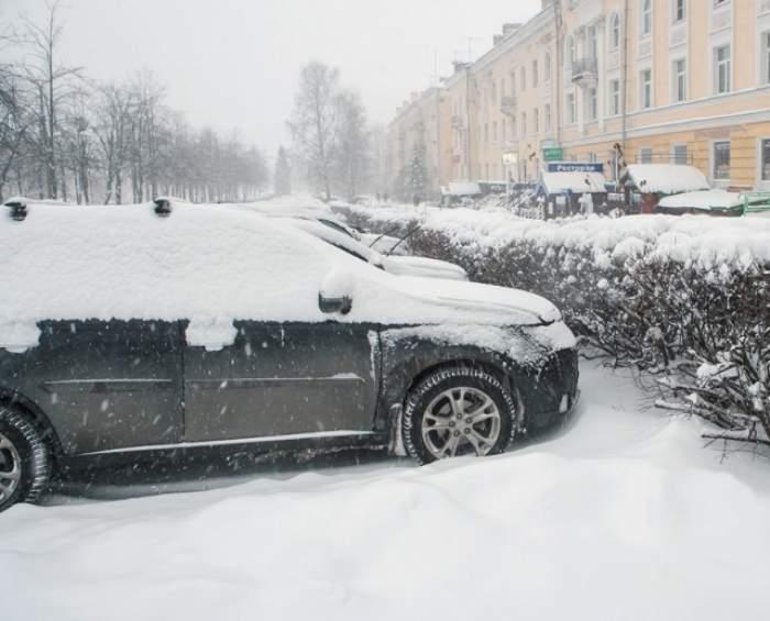 Şcolile s-ar putea închide din cauza viscolului şi a zăpezii! Codul roşu de vreme rea a fost prelungit