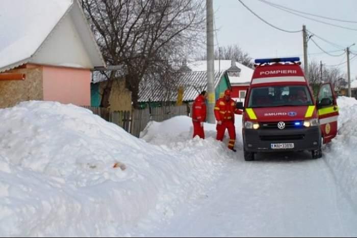 O femeie a murit în timp ce aştepta ambulanţa! Din cauza codului roşu drumurile sunt blocate