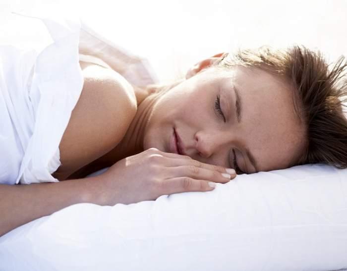 ÎNTREBAREA ZILEI - SÂMBĂTĂ: Cum poți să adormi în maximum un minut cu un truc simplu?