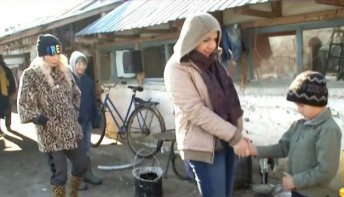 VIDEO / Carmen Şerban şi Daniela Gyorfi, în mizerie până peste cap! 5 fraţi sunt în PERICOL