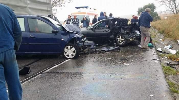 VIDEO / Accident terifiant la Iași! O tânără a murit în urma impactului. Mașinile au fost făcute praf