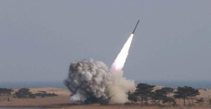 Coreea de Nord a lansat o nouă rachetă balistică. Ce se întâmplă în aceste momente