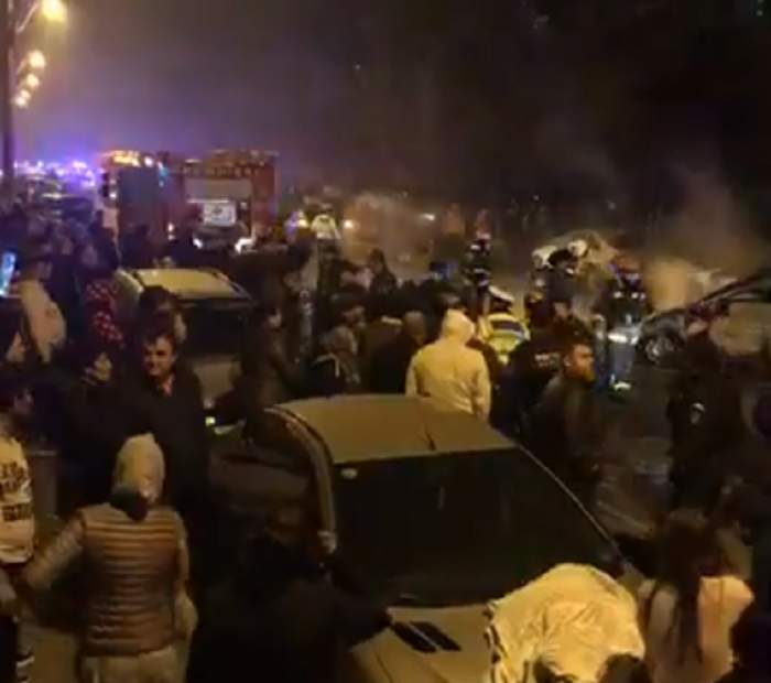 VIDEO / Reacţiile incredibile ale martorilor la tragicul accident în care o femeie a ars de vie. Ce au scandat în plină stradă
