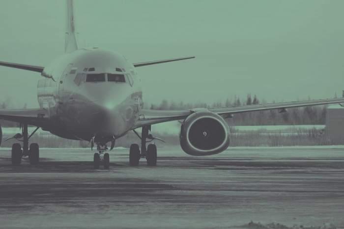 Incident aviatic! Aterizare de urgenţă pe Otopeni! Medicii au intervenit