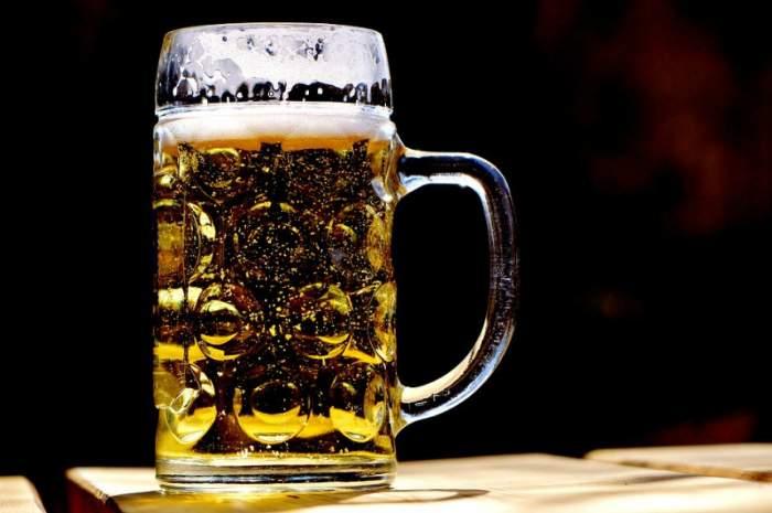 Bea asta și o să te simți extraordinar după Revelion. E demonstrat științific!