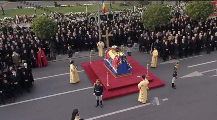 """De ce nu există la înmormântarea Regelui Mihai protocolul """"Calului fără călăreţ"""", aşa cum se obişnuieşte la funeralii regale"""
