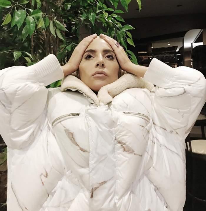 FOTO / Lady Gaga, în pană de idei? Cântăreața a copiat-o pe Kim Kardashian!