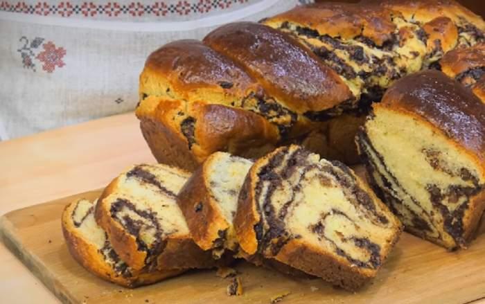 Ţi-a rămas mult cozonac după Crăciun? Prepară un tort delicios!