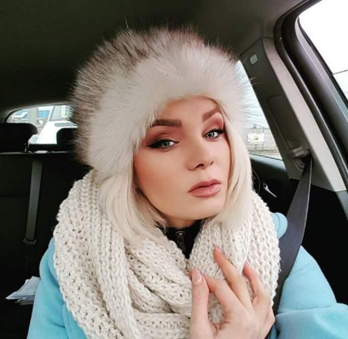 Maria Constantin s-a retras de Crăciun la părinţi! A pus mâna pe cuţit şi a măcelărit un porc