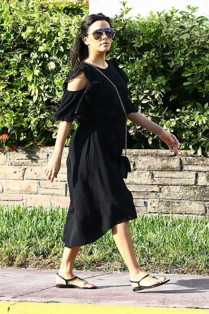 FOTO / Eva Longoria şi-a etalat burtica de graviduţă în toată splendoarea! Cum a fost surprinsă la cumpărături