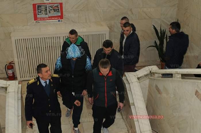 Cinci din cei șapte violatori din Vaslui, eliberaţi din arest de Sărbători