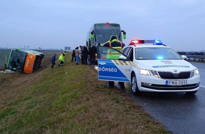 Un autocar românesc s-a răsturnat în Ungaria. Șoferul ar fi adormit la volan