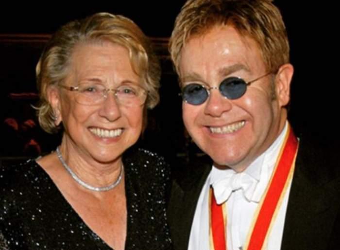 Drama cumplită prin care trece Elton John. Artistul a anunţat cu tristeţe decesul