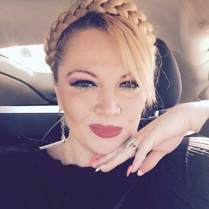 FOTO / Moş Nicolae nu a uitat-o pe Oana Lis! Soţia fostului edil a găsit în ghetuţe un cadou de zile mari
