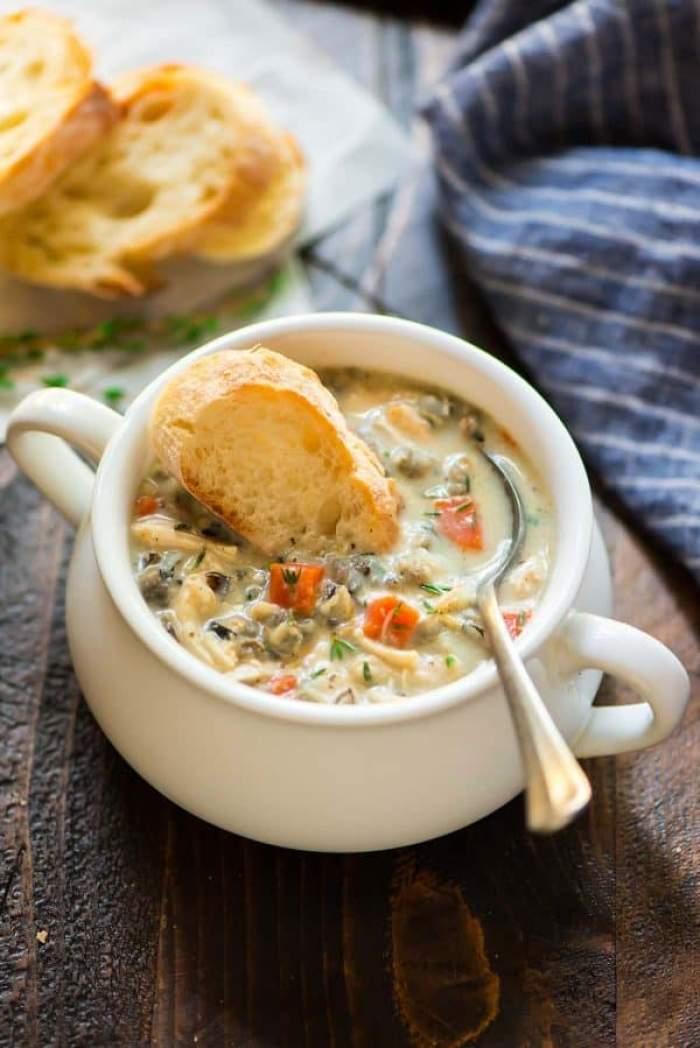 Supă de pui cu orez şi legume