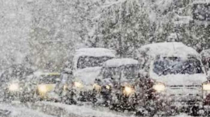 Meteorologii au emis o avertizare nowcasting! Uite ce zone sunt vizate de CODUL GALBEN de ninsori abundente