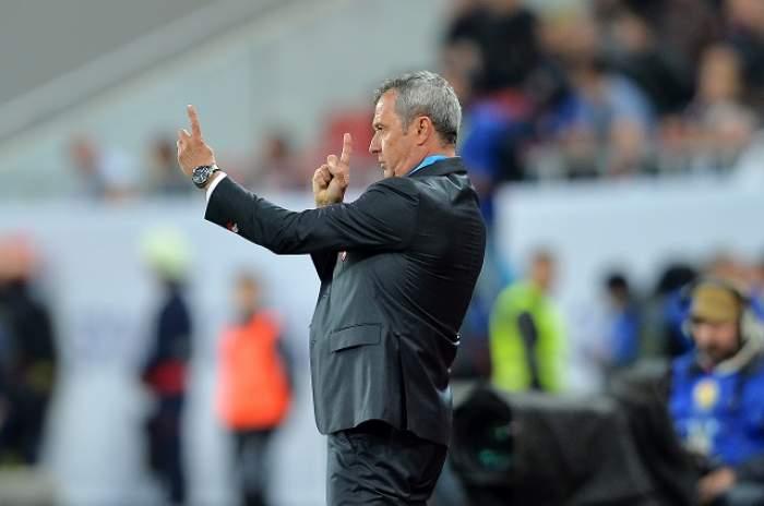 Scandal la Dinamo! Mircea Rednic i-a făcut praf pe Negoiță și pe Mutu!