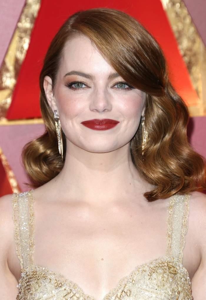 FOTO / Cea mai așteptată apariție de la Gala Premiilor Oscar! Emma Stone a venit alături de fratele ei