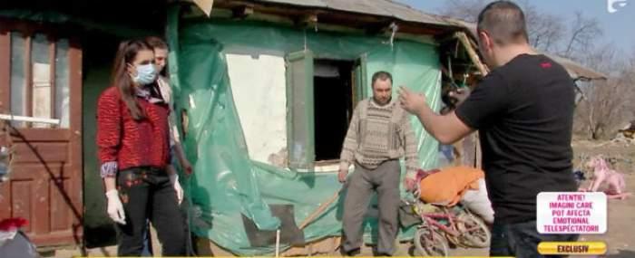 """VIDEO / 4 fraţi trăiesc o viaţă ca-n LAGĂR! Dorm în noroi! Nico şi Buzdu, în lacrimi: """"Cum să dormi în aşa ceva?"""""""