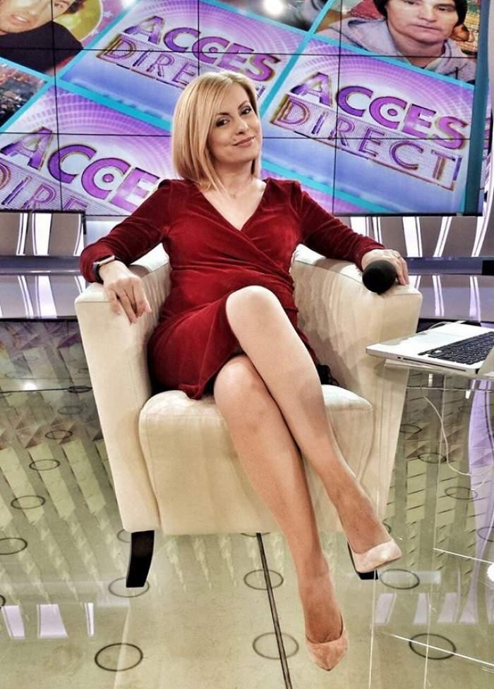"""FOTO / Totul este roz în viața Simonei Gherghe! Prezentatoarea TV, apariție de senzație la """"Acces Direct""""!"""