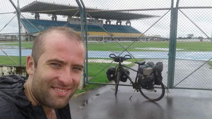 """VIDEO / Primul român care face înconjurul Americii pe bicicletă: """"Am fost jefuit de câteva ori"""""""