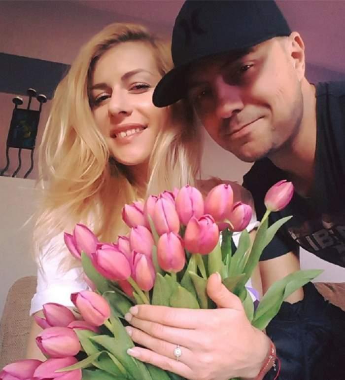 """FOTO / A venit la TV cu iubita şi a dat vestea cea mare: """"Dan Badea, tătic"""""""