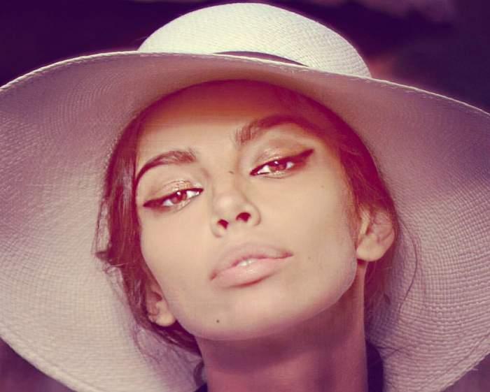 FOTO / Mădălina Ghenea, senzuală înainte de a se băga la somn! Frumoasa româncă este sexy în așternuturi