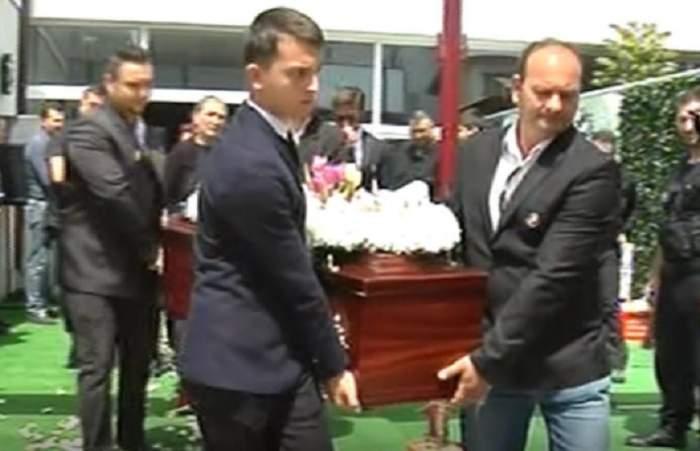 FOTO / Imagini SFÂȘIETOARE de la înmormântarea Andreei, tânăra moartă în urma atentatului de la Londra!