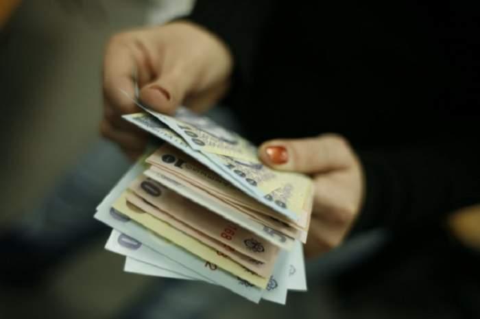 Salarii mai mari de la 1 iunie! Cine se bucură de mai mulţi bani