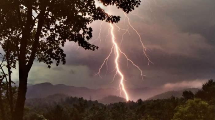 Meteorologii au VEŞTI PROASTE! Cum va fi vremea în weekend, în toată țara