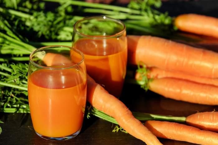 ÎNTREBAREA ZILEI: De ce e bine să bei suc de morcovi? Efectele miraculoase pe care le are