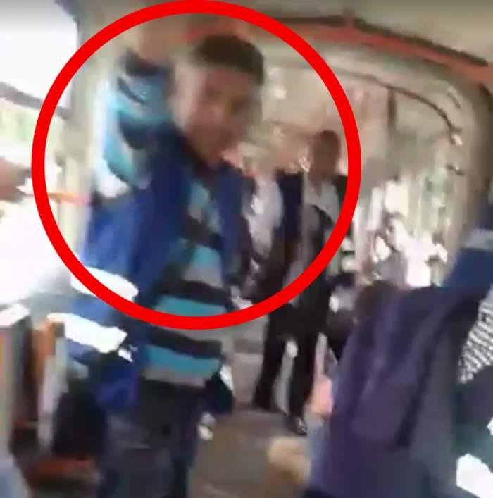 FOTO / Ce s-a întâmplat cu bărbatul agresat în tramvaiul 11! Imagini ȘOCANTE după ce i-a fost dislocat umărul