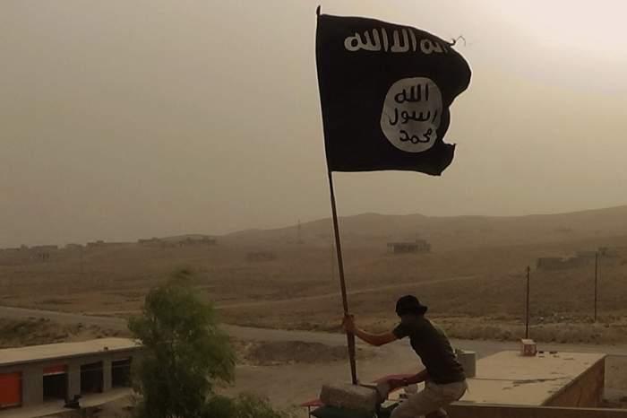 Asalt împotriva jihadiştilor ISIS! 100.000 de civili, folosiţi ca scuturi umane!