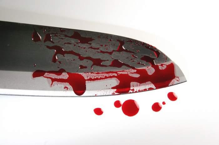 MĂCEL! O româncă şi-a înjunghiat soţul cu cuţitul, apoi i-a tăiat ORGANELE GENITALE