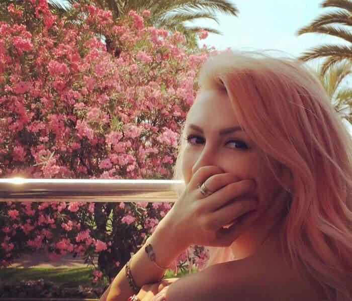 VIDEO / Andreea Bălan, surprinsă la TV cu un dar pe care nu l-a primit de ziua ei! Nimeni nu s-ar fi gândit că nu a avut aşa ceva în vacanţa luxoasă
