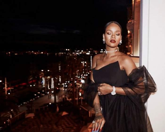 VIDEO / Rihanna și-a tras iubit miliardar! Imagini INCENDIARE cu cei doi la piscină