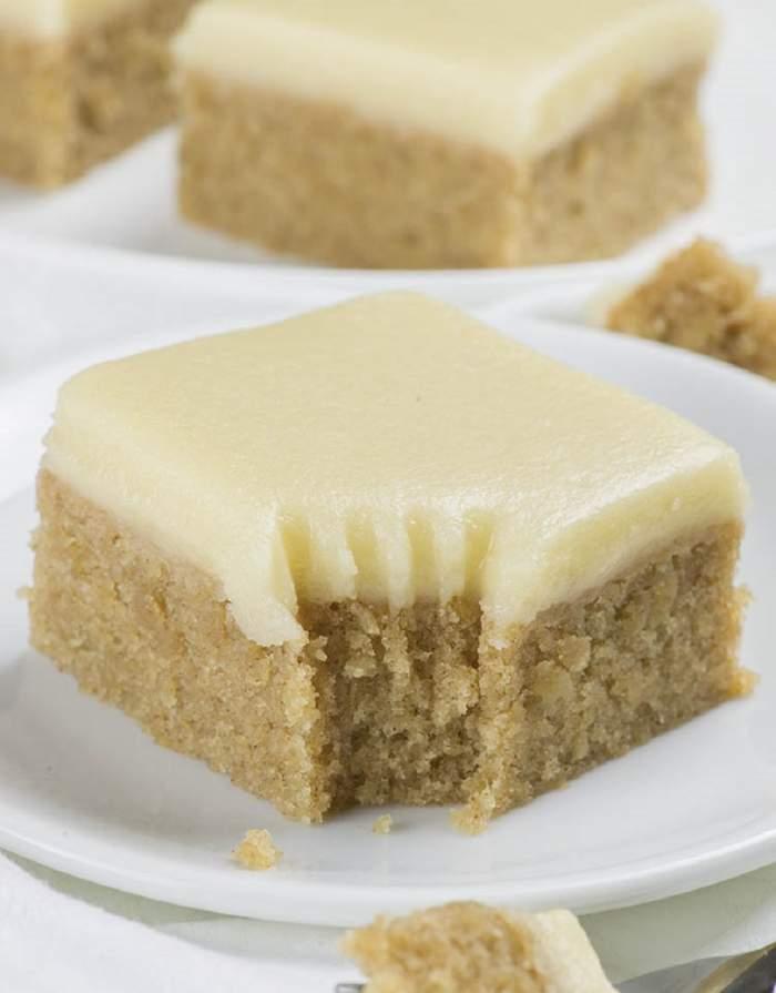 Desert rapid şi delicios! Prăjitura cu banane şi scorțișoară