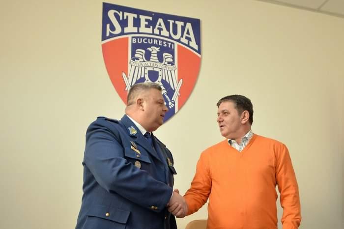 FOTO / Pregătiţi să scrie istorie! Prima poză de grup cu noua echipă a CSA Steaua!