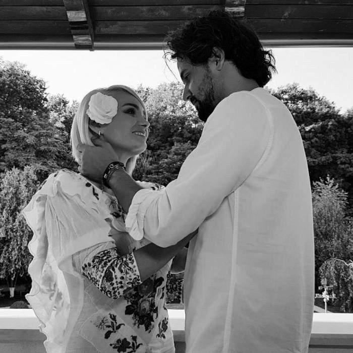 """FOTO / Maria Constantin, în aşternuturi cu un alt bărbat celebru! Soţia lui Marcel Toader a făcut anunţul: """"Cu toţii în viaţă mai suferim"""""""