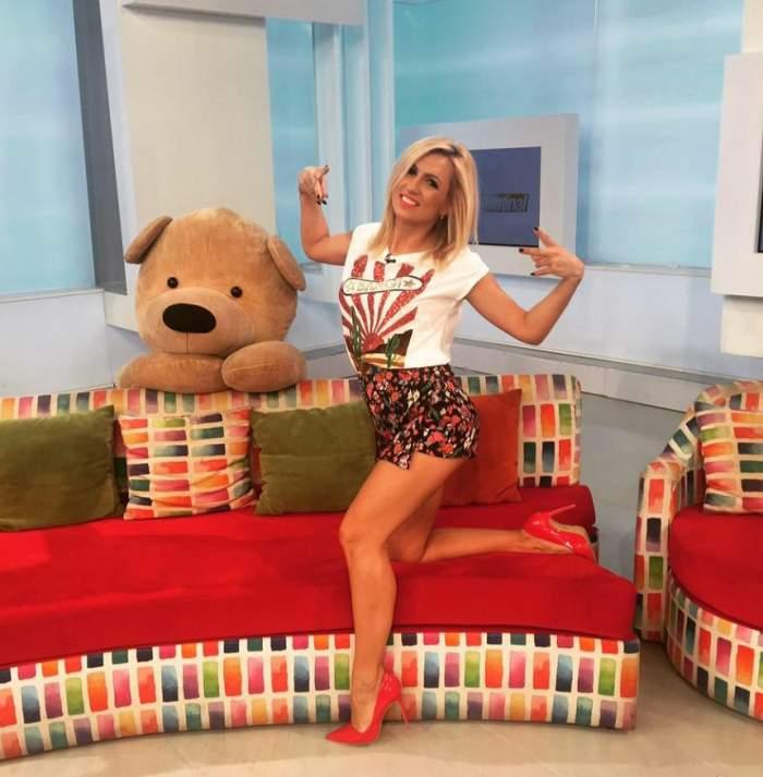"""VIDEO / Zizika, înlocuită la """"Star Matinal de Weekend""""! Două gemene celebre i-au luat locul şi au dansat senzual"""