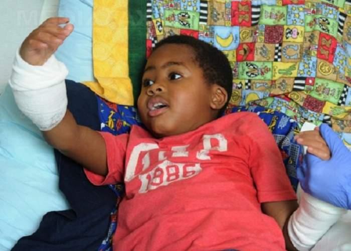 Povestea IMPRESIONANTĂ a lui Zion, băieţelul rămas fără mâini și picioare la vârsta de 2 ani. E incredibil ce poate face acum, la doi ani de la o operaţie unică în lume