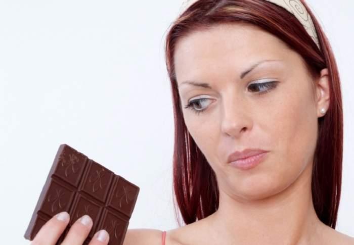 Descoperire surprinzătoare a cercetătorilor: Ciocolata poate combate cancerul!