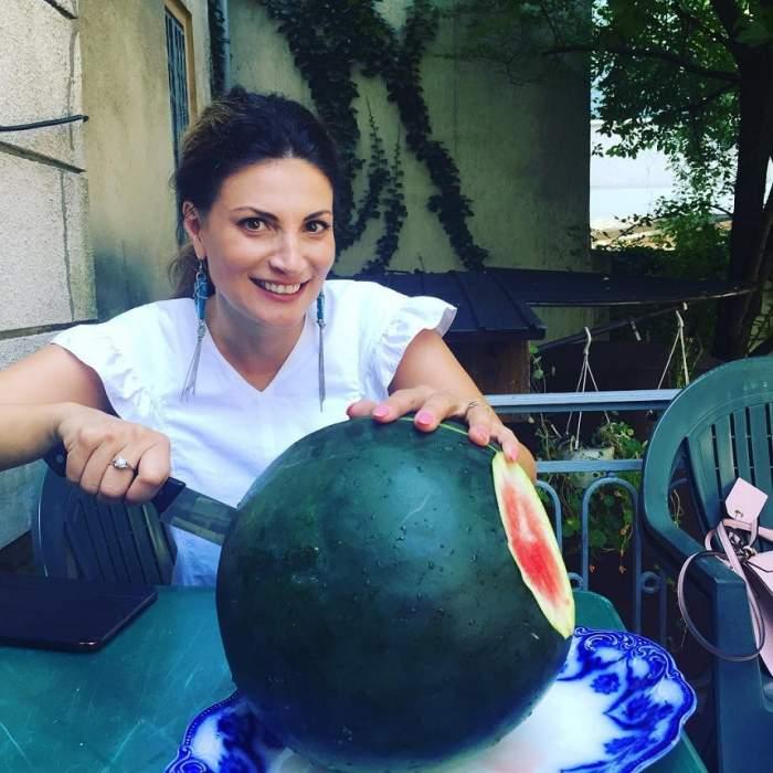 FOTO / După ce a ţinut regimul cu pepene, Ioana Ginghină şi-a pozat posteriorul în costum de baie! Aşa arată acum, după ce a slăbit
