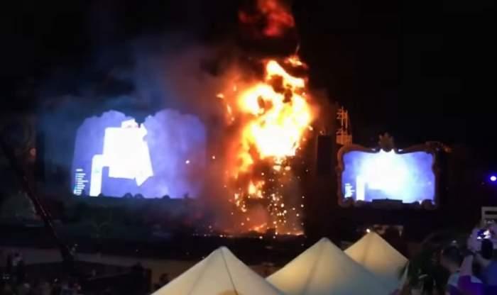 VIDEO / Şi-au văzut moartea cu ochii la un festival de muzică! 22.000 de oameni, evacuaţi după ce scena a luat foc