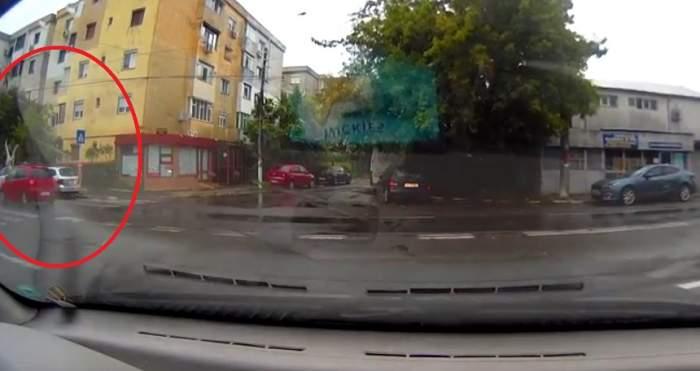 VIDEO / O tânără de 25 de ani din Galați a fost SPULBERATĂ pe trecerea de pietoni!