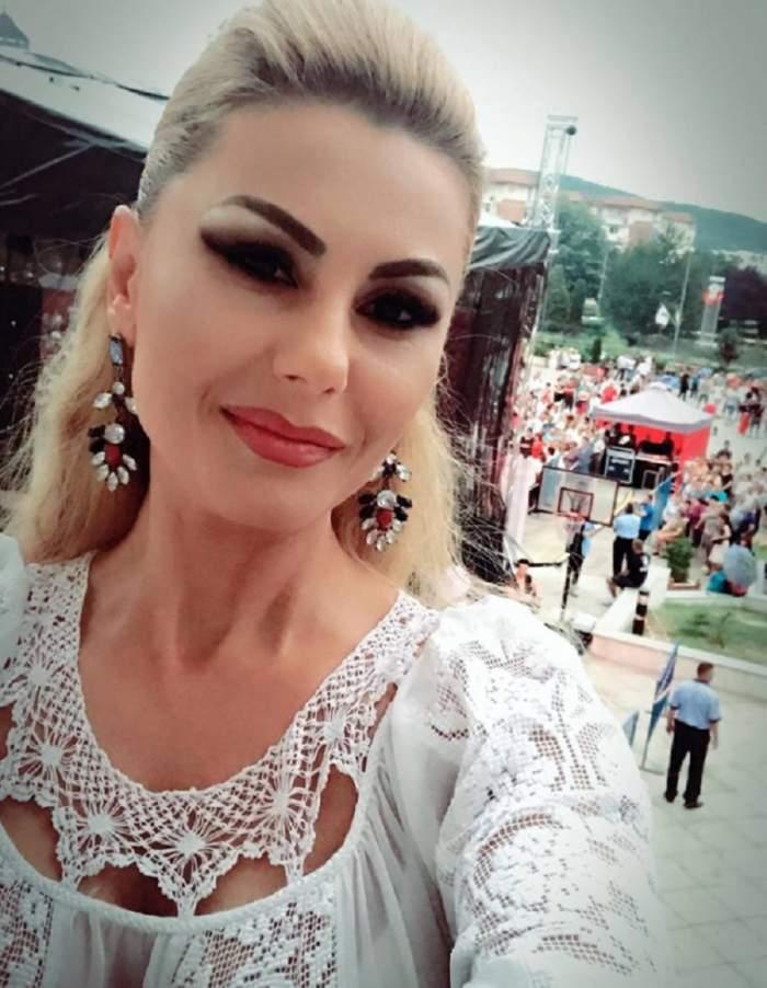 Emilia Ghinescu, mamă mândră! Fiul ei a trecut cu bine de examenul de bacalaureat