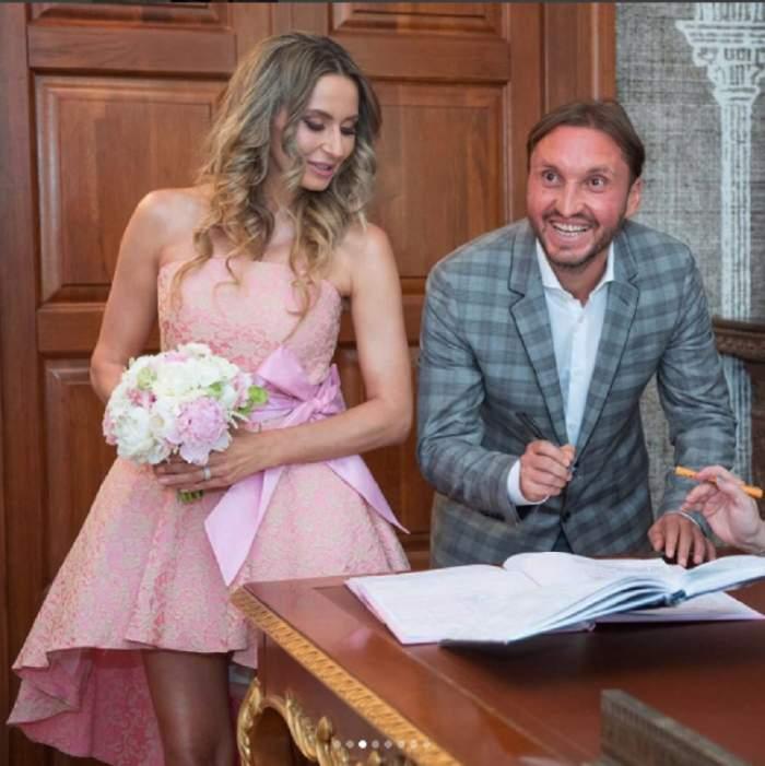 """FOTO / Momentul în care Crina Abrudan şi Gabi Popescu au spus """"DA"""". Imagini rare cu naşa, soţia lui Cosmin Olăroiu"""