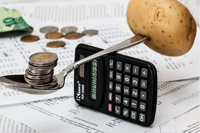 ÎNTREBAREA ZILEI: De ce nu reuşim să obţinem câţi bani ne dorim? Învaţă cum să îi gestionezi!